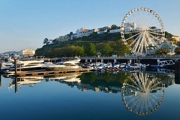 What S On In Torquay Places To Stay And Eat Attractions